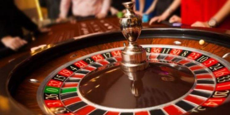 Poker: Learning GuideFor Beginners